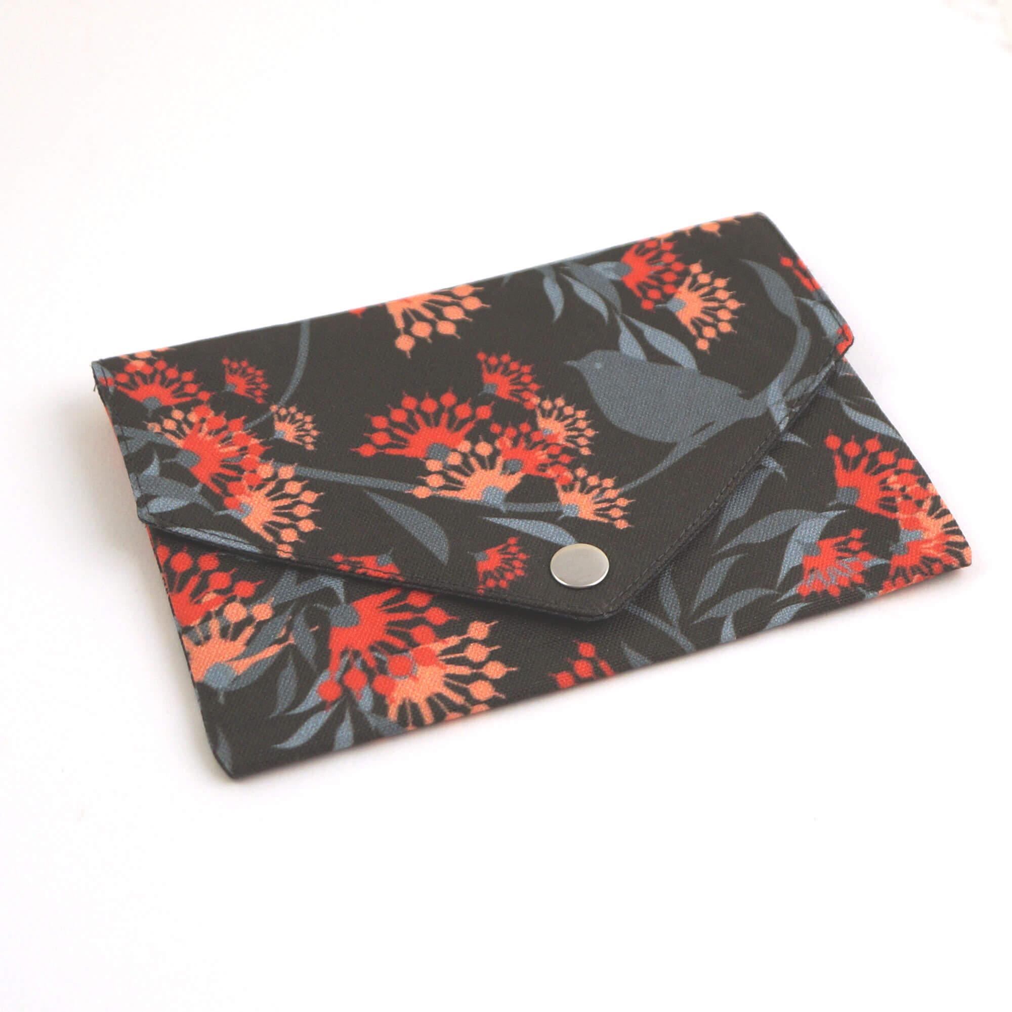 Geldbörse mit Reißverschluss Tasche Blumen sw